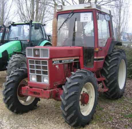 Tracteur agricole case ih 845 xl 1982 for Case agricole