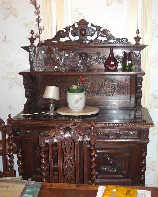Mobilier de salle a manger style renaissance comprenant for Mobilier salle a manger