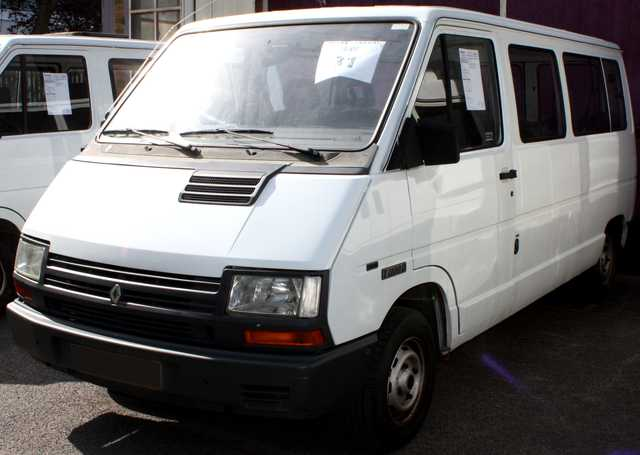 minibus renault trafic combi t1100d 9 places 9 places 1994. Black Bedroom Furniture Sets. Home Design Ideas