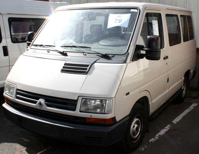 minibus renault trafic combi 9 places 4x4 9 places 4x4 1996. Black Bedroom Furniture Sets. Home Design Ideas