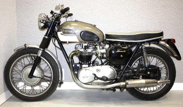 moto triumph bonneville t110 650 cm3 double berceau 1961. Black Bedroom Furniture Sets. Home Design Ideas