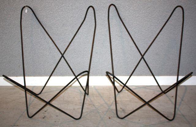 ferrari hardoy jorge armature dune paire de fauteuils modele butterfly modele cree pour la premiere. Black Bedroom Furniture Sets. Home Design Ideas