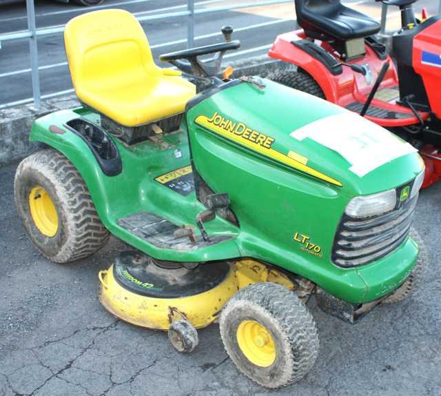 Tracteur tondeuse john deere lt170 2 rm - Tracteur tondeuse mulching ...