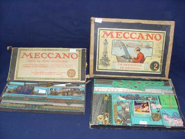 meccano boite n2 et sa boite de pieces accessoires quelle convertit en une boite n3. Black Bedroom Furniture Sets. Home Design Ideas