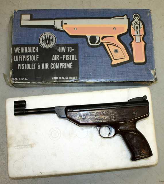 pistolet a air comprime de marque weihrauch hw70 de calibre 45177 incomplet mais vendu avec sa boit. Black Bedroom Furniture Sets. Home Design Ideas