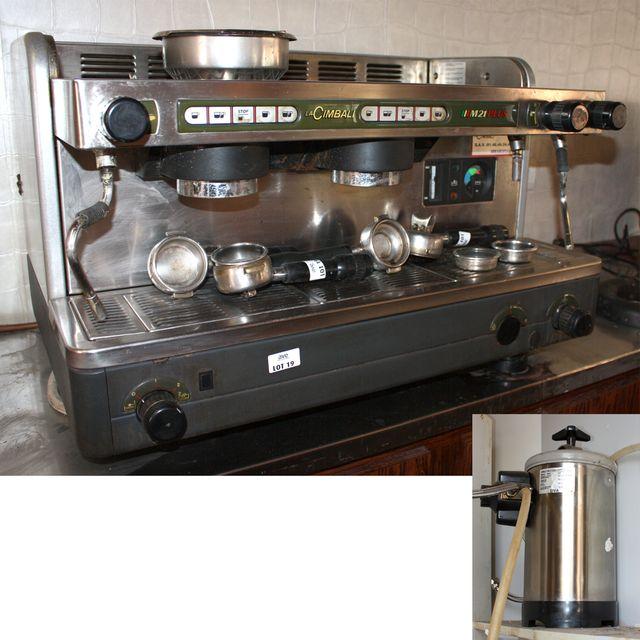 machine a cafe cimbali m21 2 postes avec son adoucisseur. Black Bedroom Furniture Sets. Home Design Ideas