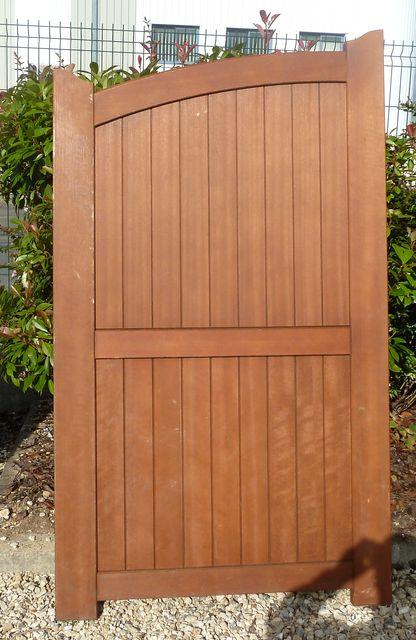 Portillon en bois hauteur 1 metre 75 cm par 1 metre de large for Portillon bois en kit