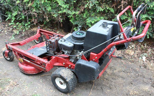 Tondeuse autotractee toro commerciale 112 112 cm for Chambre commerciale 13 septembre 2011