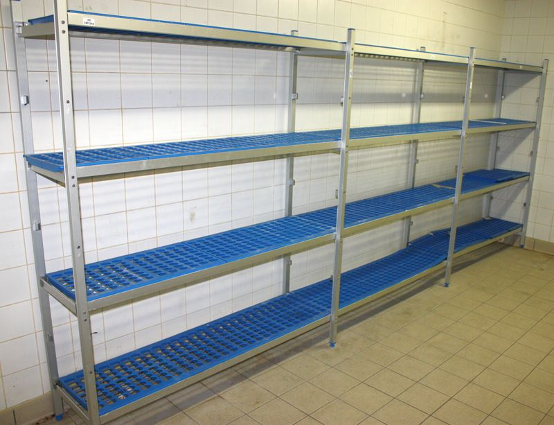 4 metres 20 cm lineaires detageres de marque bourgeat pour chambre froide comprenant 4 echelles 12 - Chambre froide industrielle prix ...