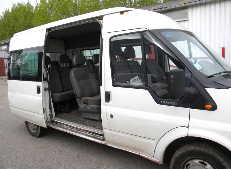 minibus ford transit 9 places 2001. Black Bedroom Furniture Sets. Home Design Ideas