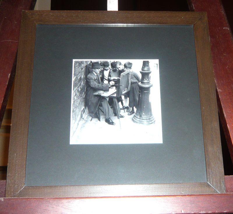 reproduction photographique encadree en noir et blanc dim du cadre 33 x 33 cm vendue a lunite avec. Black Bedroom Furniture Sets. Home Design Ideas