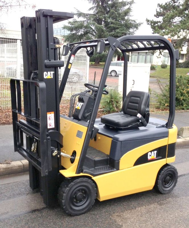 chariot elevateur caterpillar ep18n 1800 kg. Black Bedroom Furniture Sets. Home Design Ideas