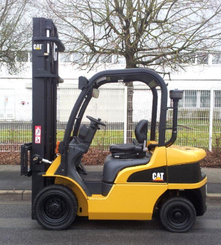 chariot elevateur caterpillar dp25n 2500. Black Bedroom Furniture Sets. Home Design Ideas