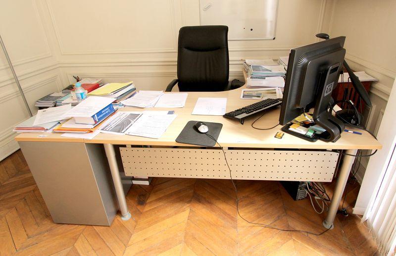 Mobilier bureau 64 si ges de direction bureau mobilier for Mobilier bureau 64