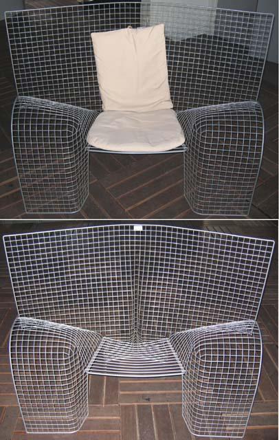 1 paire de fauteuil grillage dans le syle de harry bertoia. Black Bedroom Furniture Sets. Home Design Ideas
