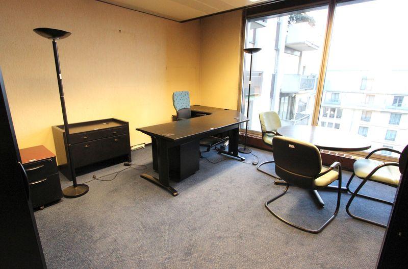 Mobilier steelcase bureaux avec retour dont avec luminaire