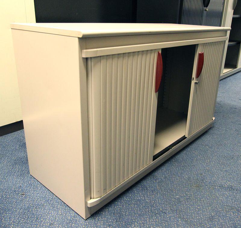 Steelcase petite armoire metallique de couleur claire haut 72 cm larg 120 cm prof 45 cm lot vendu a - Petite armoire metallique ...