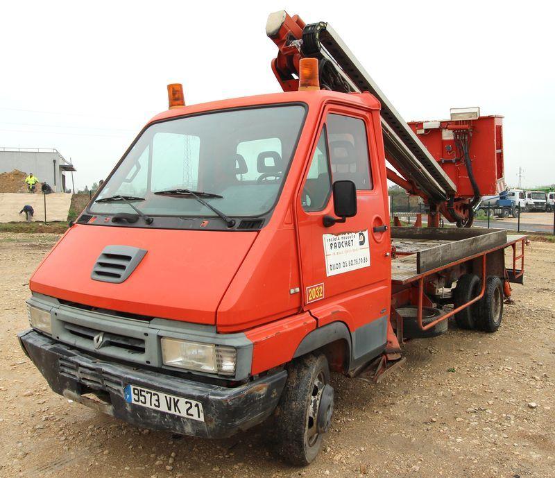camion nacelle renault messenger 110 nacelle bizzochi modele 155 14 metres 1998. Black Bedroom Furniture Sets. Home Design Ideas