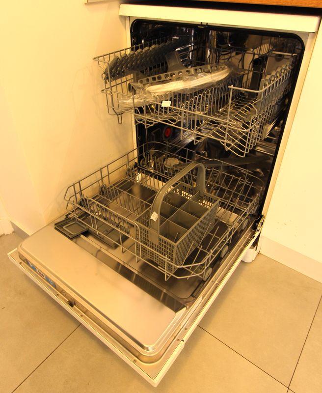 electrolux lave vaisselle 12 couverts modele time focus. Black Bedroom Furniture Sets. Home Design Ideas