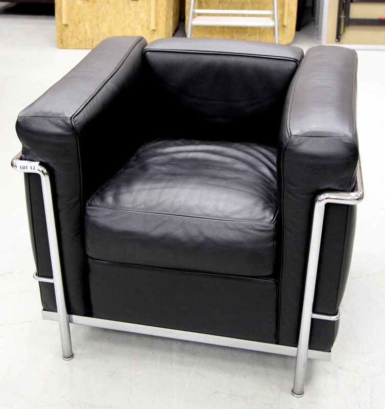 fauteuil charlotte perriand fauteuil cr par le corbusier. Black Bedroom Furniture Sets. Home Design Ideas