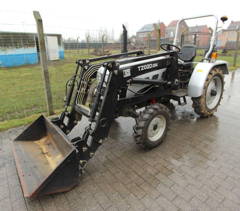 tracteur agricole europard foton ft254 chargeur frontal 4x4 4 rm. Black Bedroom Furniture Sets. Home Design Ideas