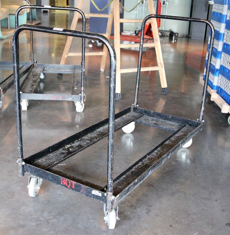 chariot a roulettes en metal noir 88 x 127 x 60 cm 2 bras. Black Bedroom Furniture Sets. Home Design Ideas