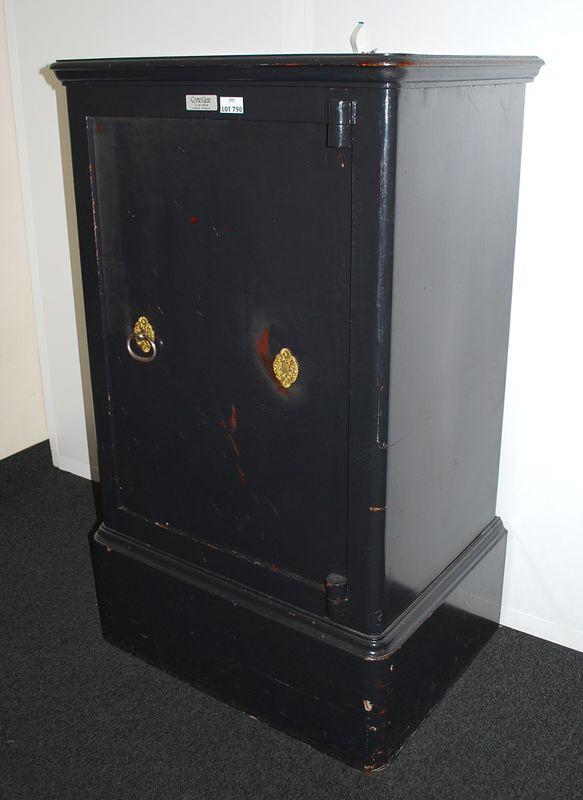 Coffre fort inifuge avec systeme a clef hauteur 130 for Bureau 75 cm largeur