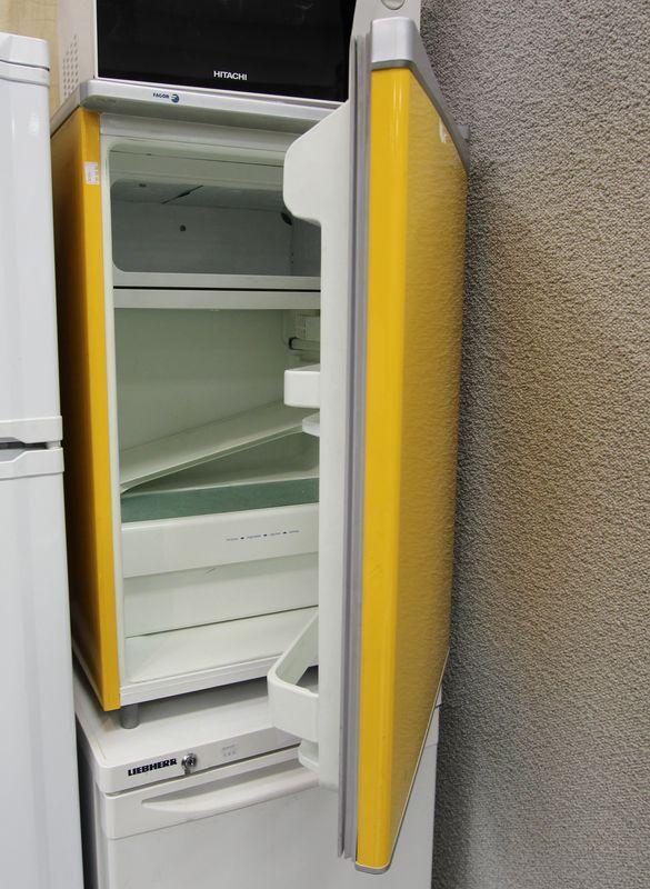 refrigerateur table top de couleur jaune de marque fagor avec compartiment congelateur. Black Bedroom Furniture Sets. Home Design Ideas