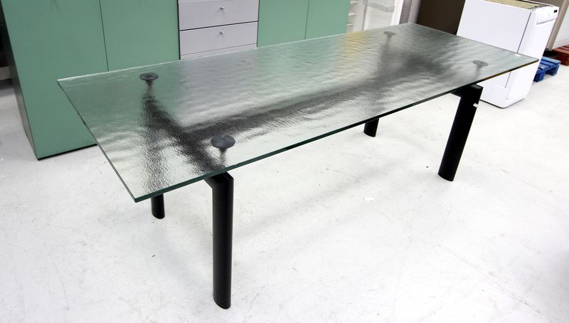 Le corbusier edition cassina table lc a pietement en acier laque