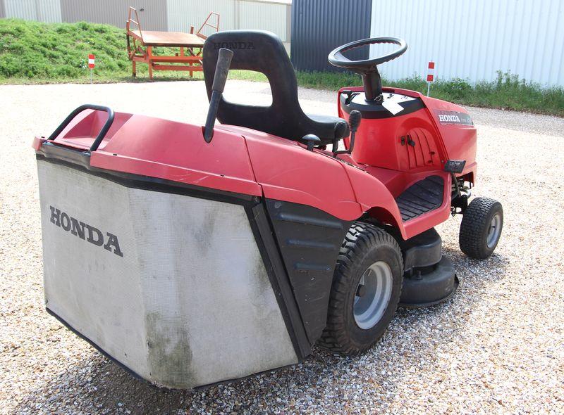 tracteur tondeuse honda hf2114 v twin 92 cm. Black Bedroom Furniture Sets. Home Design Ideas