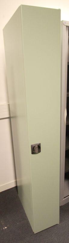 vestiaire metallique 1 porte de marque ronis de couleur. Black Bedroom Furniture Sets. Home Design Ideas