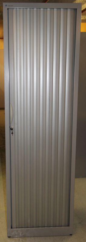 vestiaire a 1 porte rideau coulissant de marque sansens gris metal 198 x 50 x 45 cm lot vendu a lun. Black Bedroom Furniture Sets. Home Design Ideas