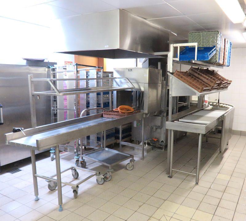 Lave vaisselle professionel de marque bonnet type 930h40 complet avec hotte aspirante table dachemi - Lave vaisselle hauteur 80 cm maximum ...