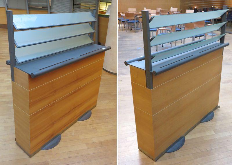 cloison de separation bois et verre sable pivotant type persiennes posee sur 2 pieds metalliques ci. Black Bedroom Furniture Sets. Home Design Ideas