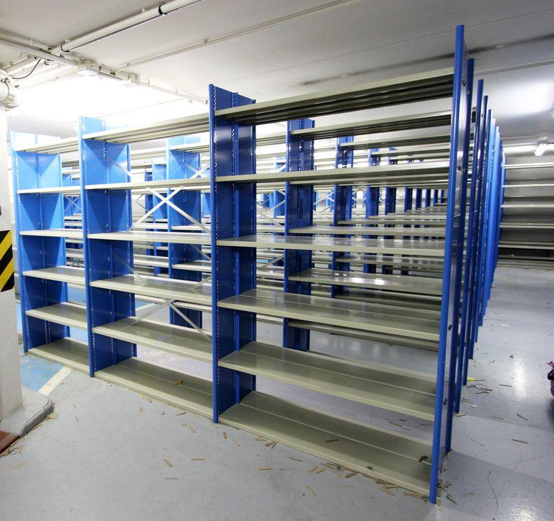 module detagere metallique gris et bleu turquoise comprenant 6 etageres de 100 x 25 cm et deux eche. Black Bedroom Furniture Sets. Home Design Ideas