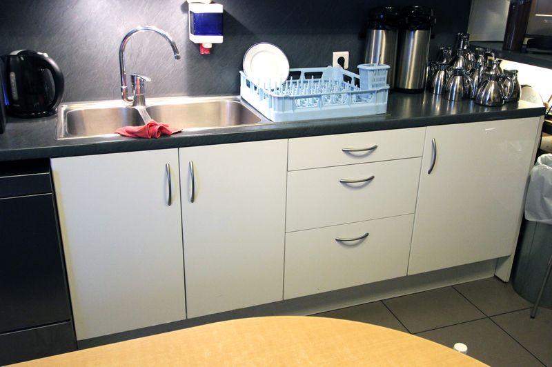 Meuble de cuisine avec plan de travail meuble sous evier Fabriquer un plan de travail bar avec meuble de cuisine
