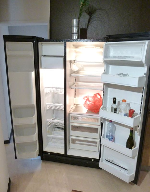 Refrigerateur americain de dietrich modele un2597 facade for Refrigerateur americain porte miroir