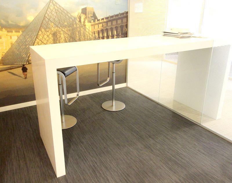 Bar en console en resine blanche hauteur 110 longueur 190 for Hauteur table bar cuisine