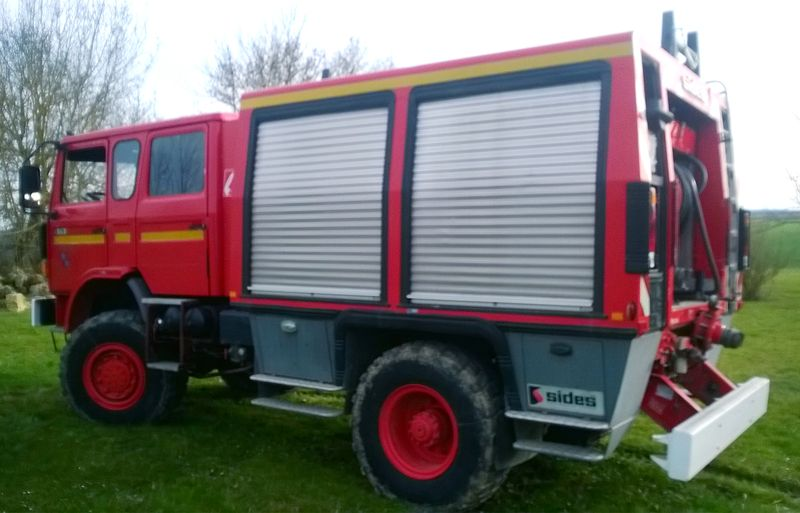 camion pompier fourgon pompe tonne hors route renault s170 4x4 4000 litres 1992. Black Bedroom Furniture Sets. Home Design Ideas