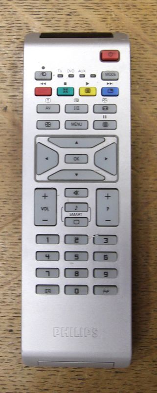 televiseur hd philips flat tv modele 26 pf5321 enceintes. Black Bedroom Furniture Sets. Home Design Ideas
