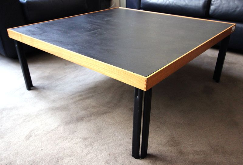 cassina-table-basse-plateau-de-forme-carree-en-ardoise-ceintre-dun ...