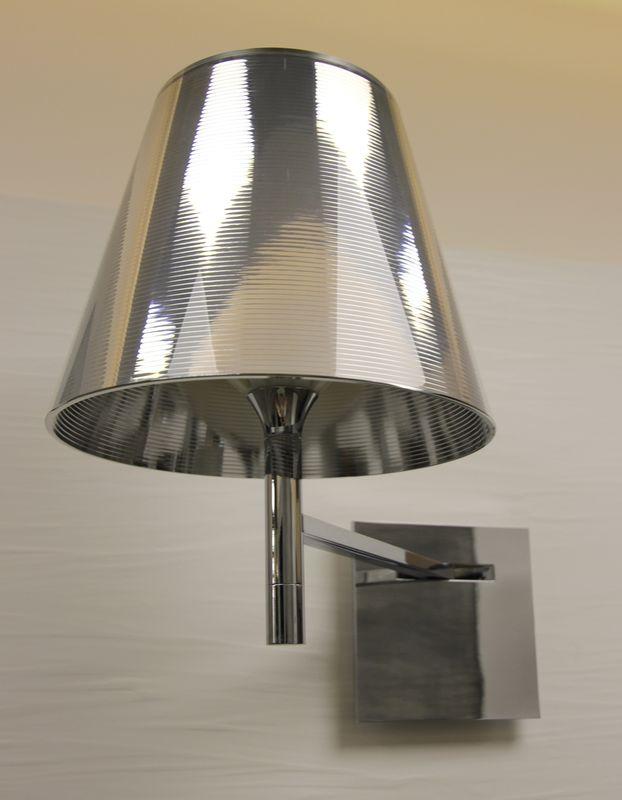applique de marque flos modele k tribe par philippe starck aluminium poli couleur argent metallise. Black Bedroom Furniture Sets. Home Design Ideas