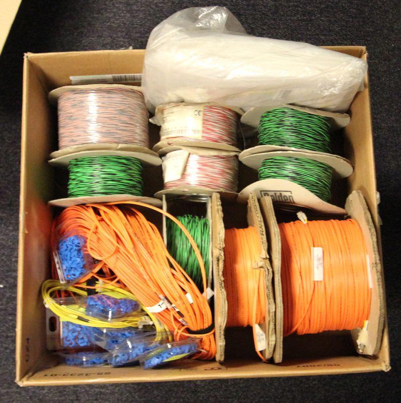 5 cartons de cables rj45 rj11 et fibre optique en bobines et sachets neuf et occasion refectoire j1. Black Bedroom Furniture Sets. Home Design Ideas