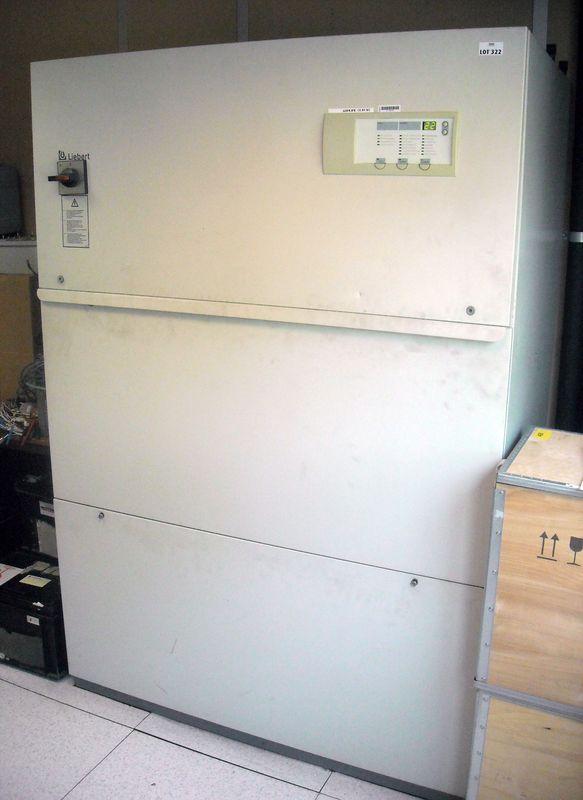armoire climatisee eau froide de marque liebert modele ld031c musset salle rdc couloir gauche. Black Bedroom Furniture Sets. Home Design Ideas
