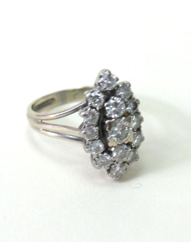 Bague modele marquise en or blanc sertie de 15 diamants de for Model de marquise