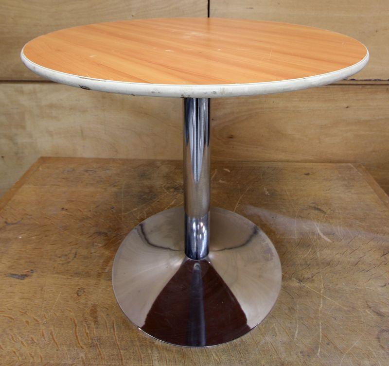 table de bistro a plateau rond de 80 cm de diametre en. Black Bedroom Furniture Sets. Home Design Ideas