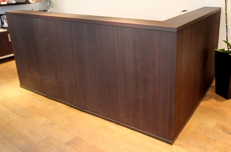 meuble bar comprenant un plan de travail en inox alimentaire avec une plonge et un mitigeur et un r. Black Bedroom Furniture Sets. Home Design Ideas