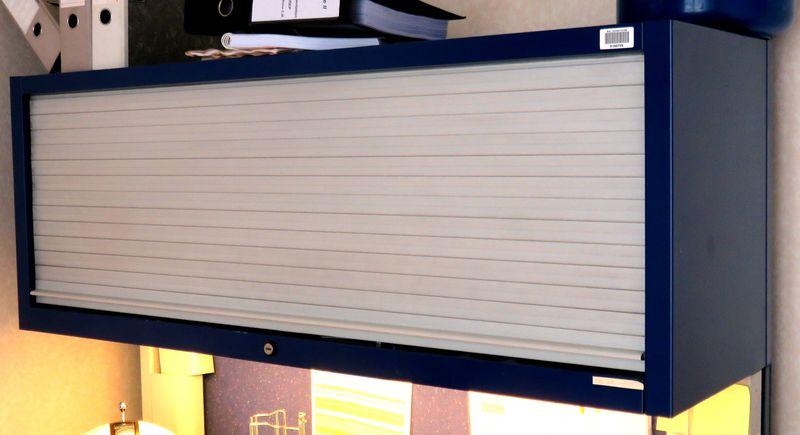 armoire metallique suspendue a 1 rideau coulissant horizontal de couleur bleue et grise dim 45 x 12. Black Bedroom Furniture Sets. Home Design Ideas