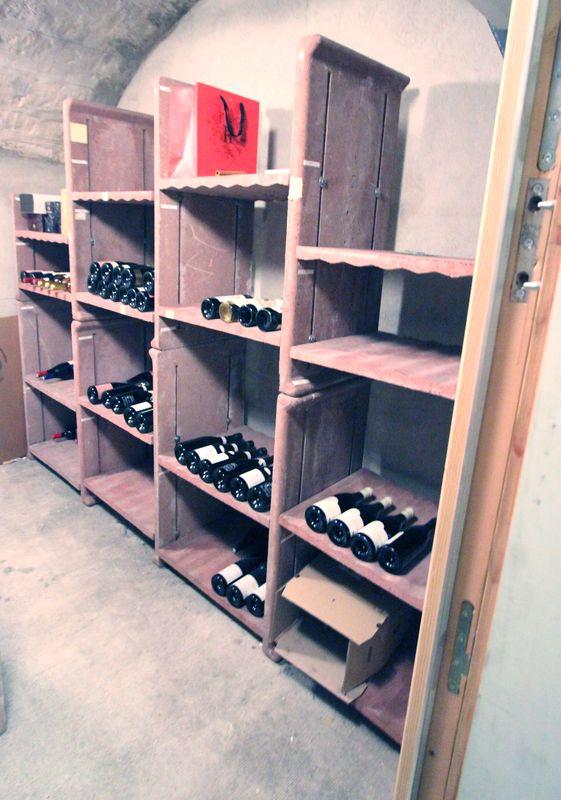 amenagement pour cave a vin en terre cuite comprenant 21 montants de 101x35 cm 6 montants de 60x35c. Black Bedroom Furniture Sets. Home Design Ideas