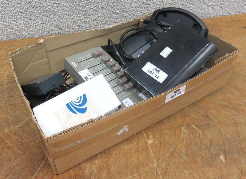 1 Petite Table De Mixage De Marque Zero 88 Modele Lev6 Un Distributeur Audio De Marque Kramer Vm 3a